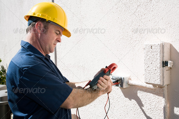 Electrician-Checking-Voltage